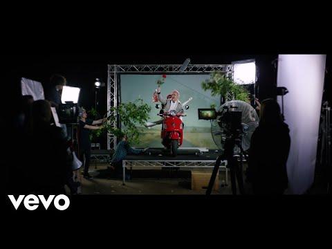 Смотреть клип Sheppard - Lazy Love