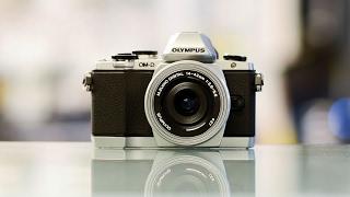 Video Amazing Mirrorless Cameras Under $500-2017 download MP3, 3GP, MP4, WEBM, AVI, FLV Mei 2018