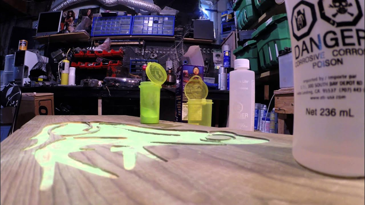 Glow In The Dark Resin glow in the dark inlays with epoxy resin.glow powder tests. frog