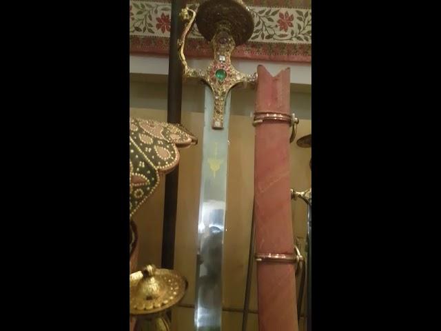 Jagdamba talwar- Shivaji Maharaja sword. Victoria Albert meauseum,London - YouTube