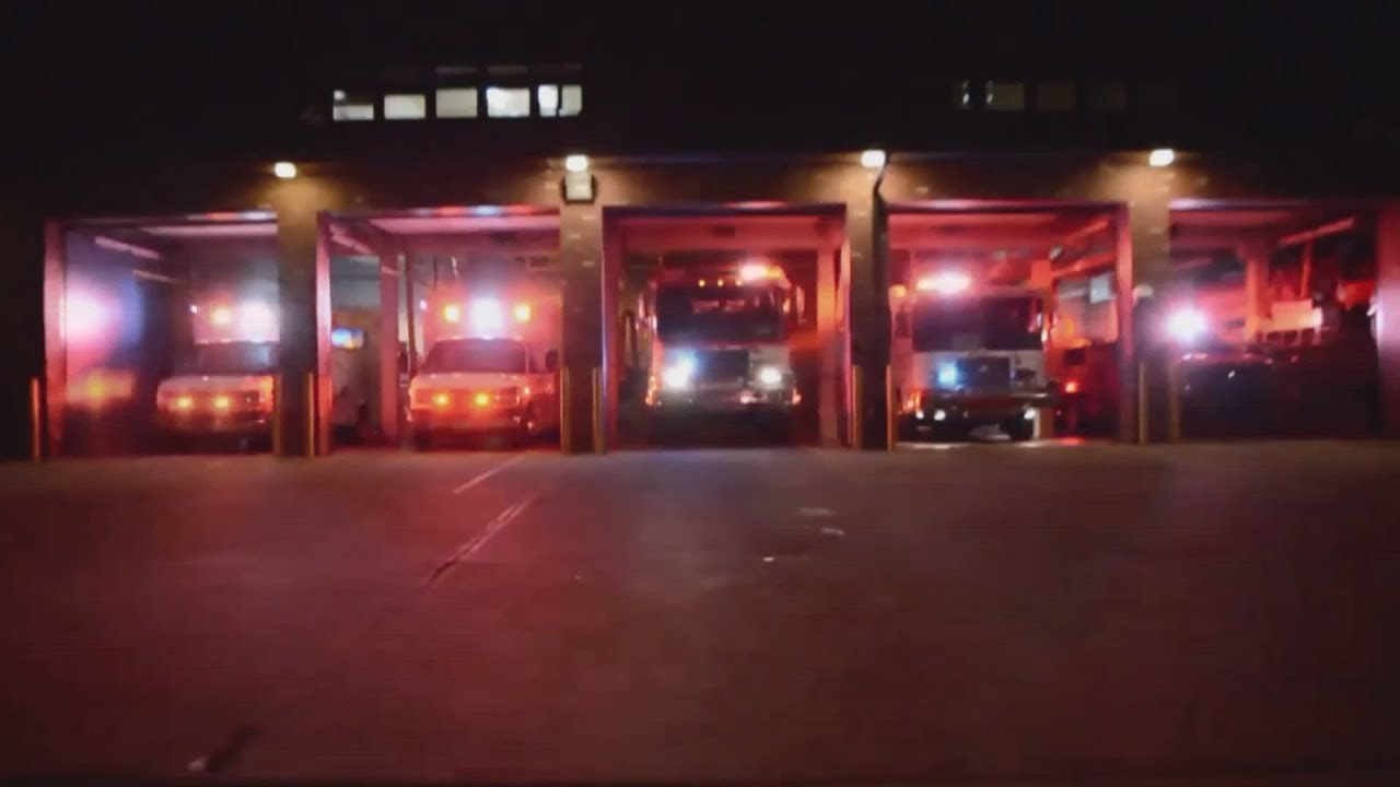 817d9d164f414 This fire department synced their trucks to Christmas music - YouTube