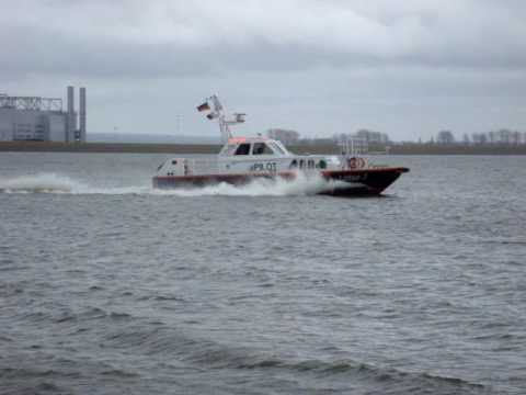Octopus Yacht From Paul Allen In Hamburg Youtube