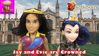 jay and evie are crowned part 11 descendants prom   disney