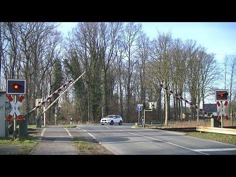 spoorwegovergang-unna-(d)-//-railroad-crossing-//-bahnübergang
