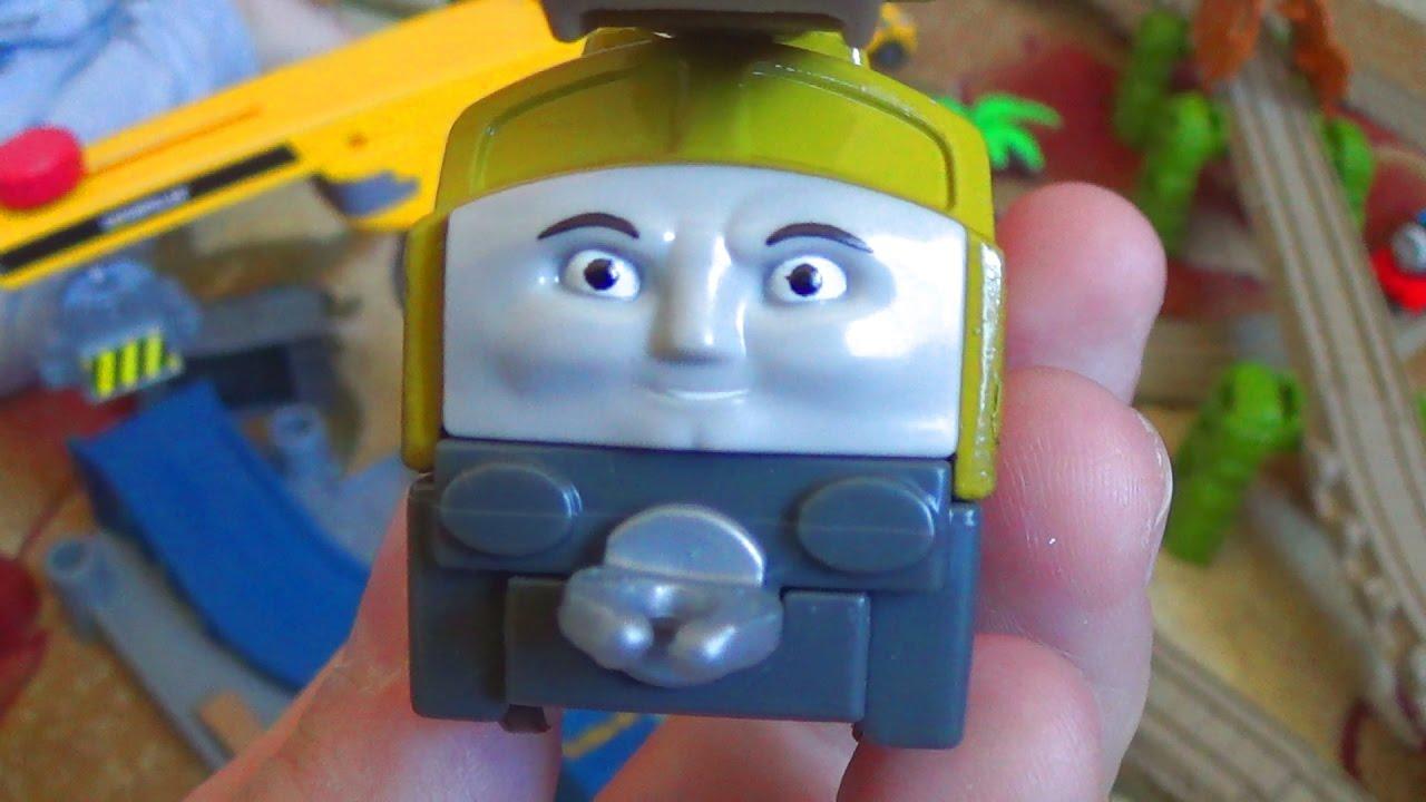 Паровозик Томас и его друзья - Томас и друзья катают поезда из Чаггингтона - Видео с игрушками