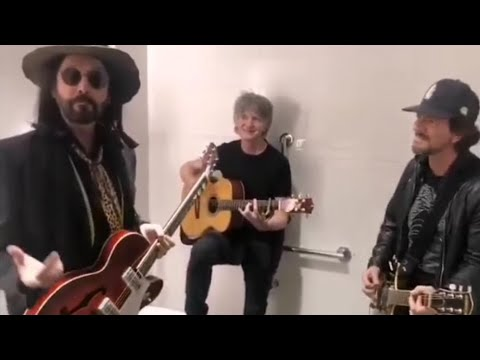 Watch Eddie Vedder jamming in a bathroom with Mike Campbell & Neil Finn
