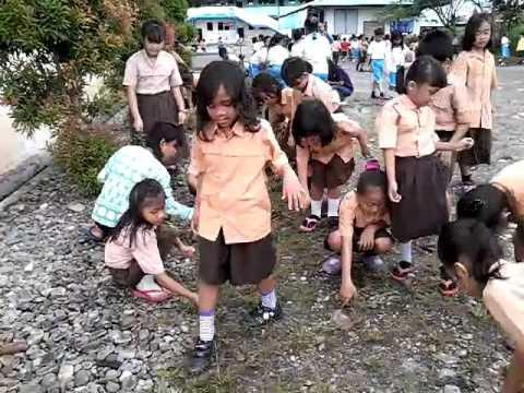 Kerja Bakti memperingati Hari Bumi 2 - YouTube