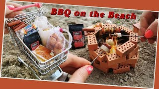 Mini but real BARBECUE on the beach/mini BBQ with bacon and marshmallow/Jenny's mini cooking