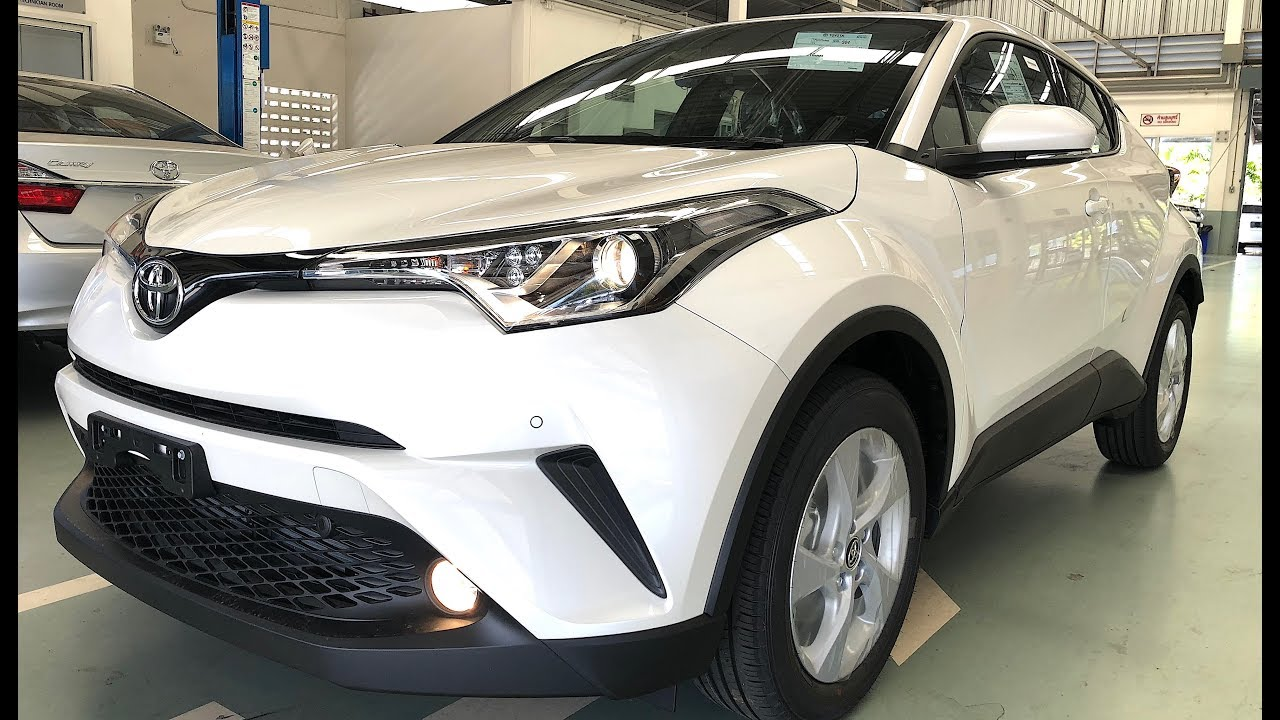 toyota c hr suv 2018 urban crossover with an unusual. Black Bedroom Furniture Sets. Home Design Ideas