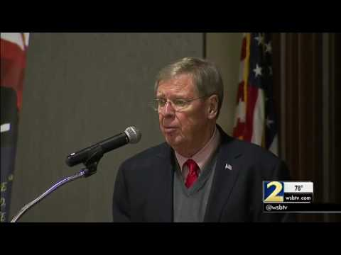 Senator Johnny Isakson addresses questions about his health