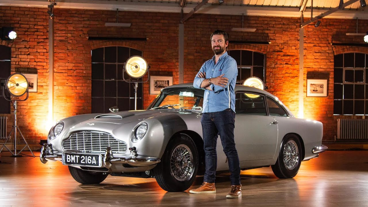 New Aston Martin Db5 Goldfinger With Real 007 Gadgets Youtube
