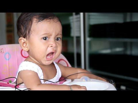 bayi lucu belajar bicara papah papah - baby first words very funny
