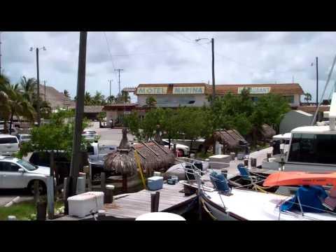 Keys Houseboat Rentals-Tour the Tobbie Dee