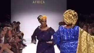 Показ мод в Африке.