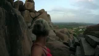 Рассвет на вершине горы Матанга, древний город Хампи, Индия.
