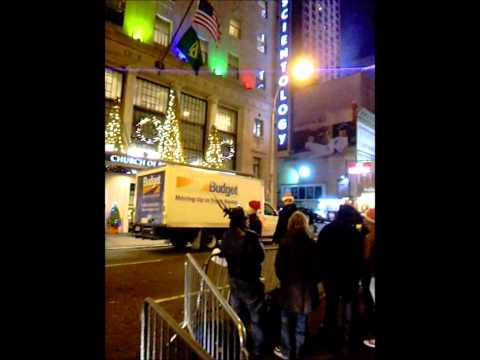 Christmas Caroling in New York City at the Scientology Building.wmv