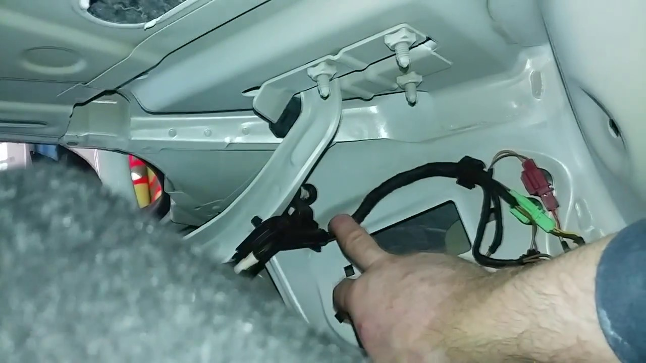 maxresdefault vw cc rear trunk wiring harness removal youtube 2010 vw cc trunk wire harness routing at pacquiaovsvargaslive.co
