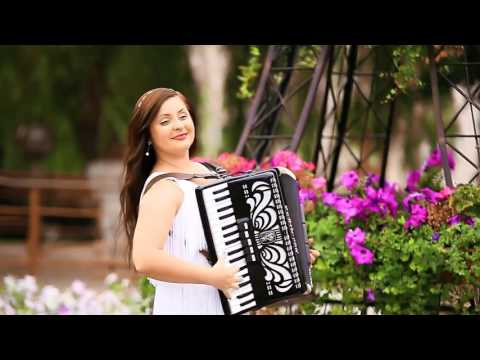 Lady Accordionist - WOW Entertainers Dubai