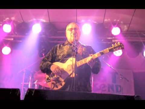 DUKE ROBILLARD PLAYS THE BLUES 2010