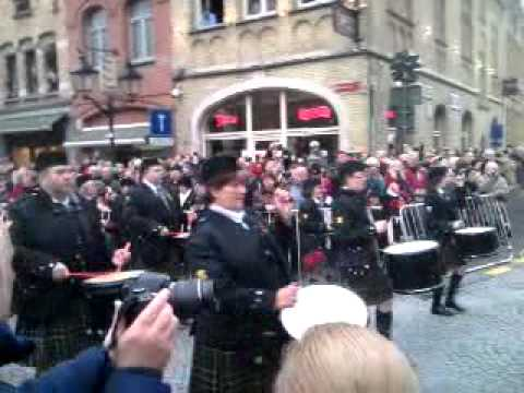 Ieper 11-11-11 Bagpipers Ypres poppy parade november 2011