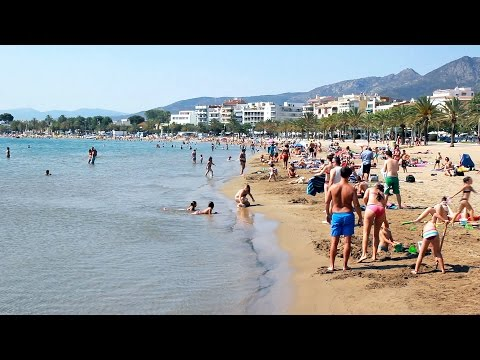 Costa Brava beaches - Playa de Roses, Girona - Tourism, travel, beach / Spain holiday, turismo