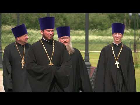 15 тысяч верующих пришли на богослужение патриарха Кирилла в Череповце