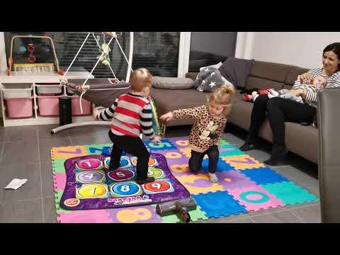 Beni és Nia Táncol