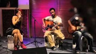 Aydilge - Yalniz Degilsin   akustikhane     sesiniac Resimi