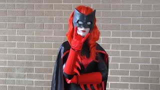 BATWOMAN! DC Comics Cosplay at ConnectiCon 2014