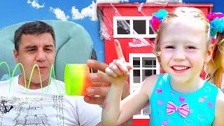 स्टेसी और डैड ने प्लेहाउस की मरम्मत की ! बच्चों के लिए प्ले हाउस