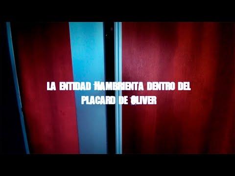 la-entidad-hambrienta-dentro-del-placard-de-oliver-~-by-dross