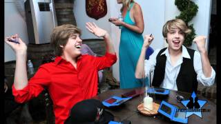 Documentary Cole and Dylan Sprouse  http://sprouse-brothers.ru/ Спроус , Мартин