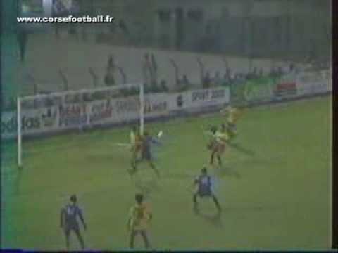 FC MARTIGUES - SC BASTIA . 87/88 .
