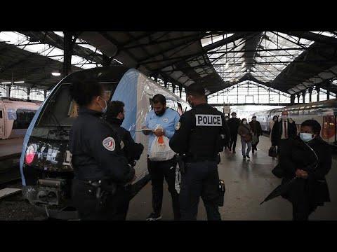 """Социологи: карантин оставит на европейцах """"неизгладимый след""""…"""