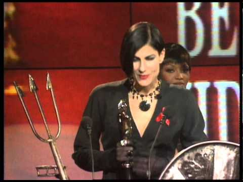 Shakespeare's Sister wins British Video presented by Naomi Campbell | BRIT Awards 1993