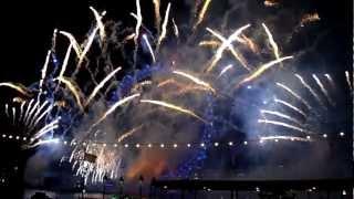 la-belle-bleue.com au feu d'artifice le 31/12/09 à Londres par groupe f (1:4).mov