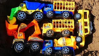 Cars For Kids| Fine Toys Construction Vehicles Under The Mud, Wash Cars In The Wells, Wheel Loader