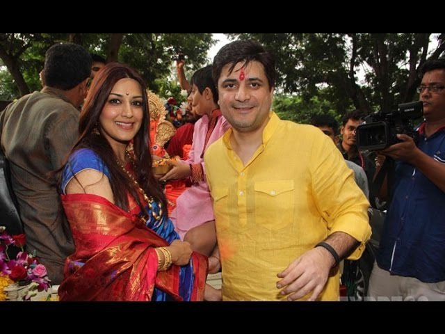 Sonali Bendre Out For Ganpati Visarjan