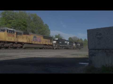 (HD) May 2017 Norfolk Southern and CSX action