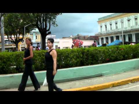 los  carnavales de Sancti Spiritus en Cuba  カーニバル キューバ