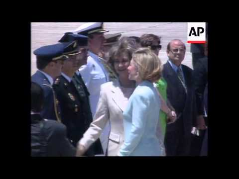 SPAIN: MAJORCA: PRESIDENT CLINTON & HILLARY CLINTON ARRIVE