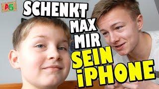 SCHENKT MAX MIR SEIN iPHONE? 👦 Ash5ive 🙃 Spielzeug und Kinderkanal 😁