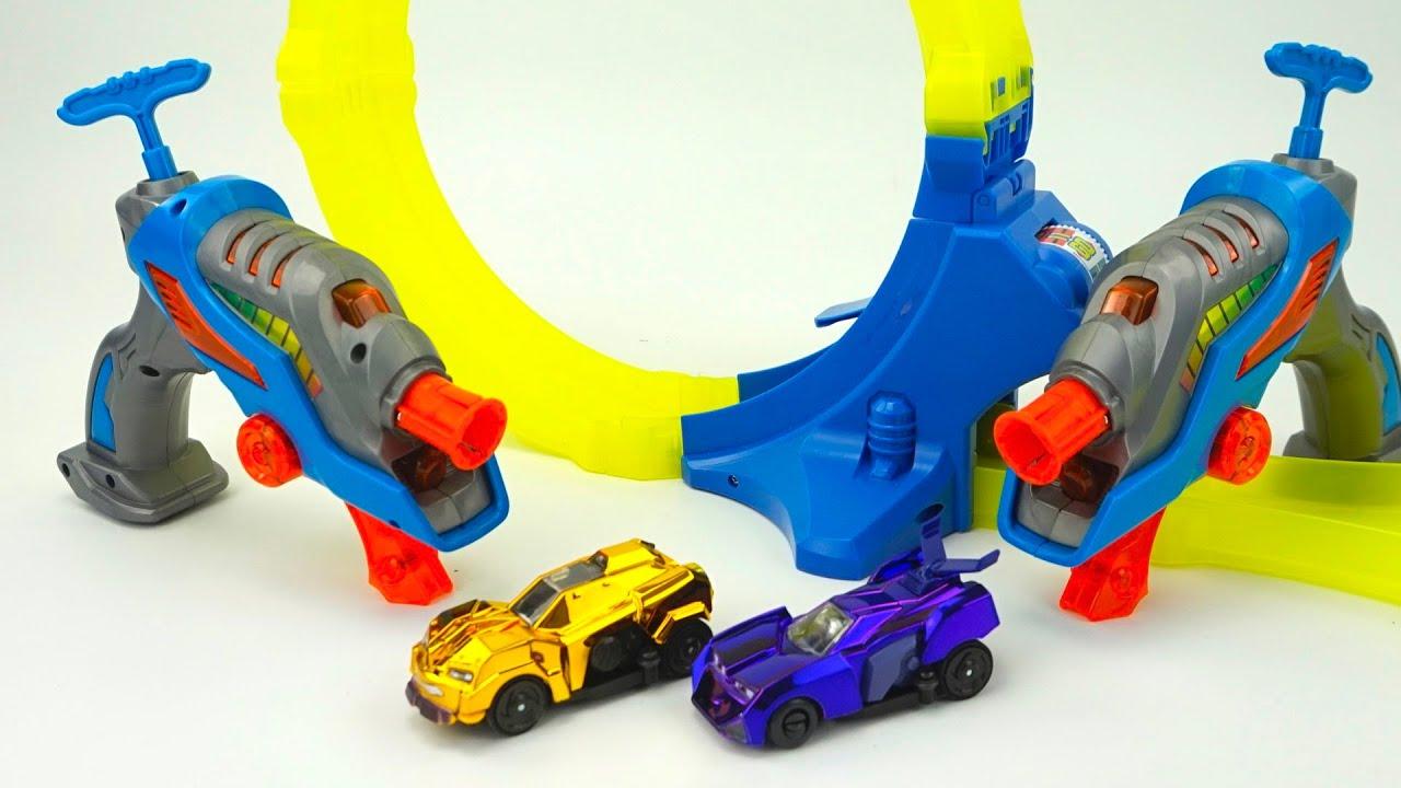 Играем и веселимся с супер классной игрушкой с гоночным кольцом и машинками