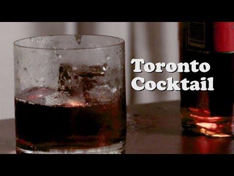 Bebendo no Edifício Tristeza • Toronto Cocktail