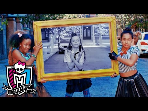 """Fright Lights, Big City"" featuring Taylor Hatala and the #CityGhouls