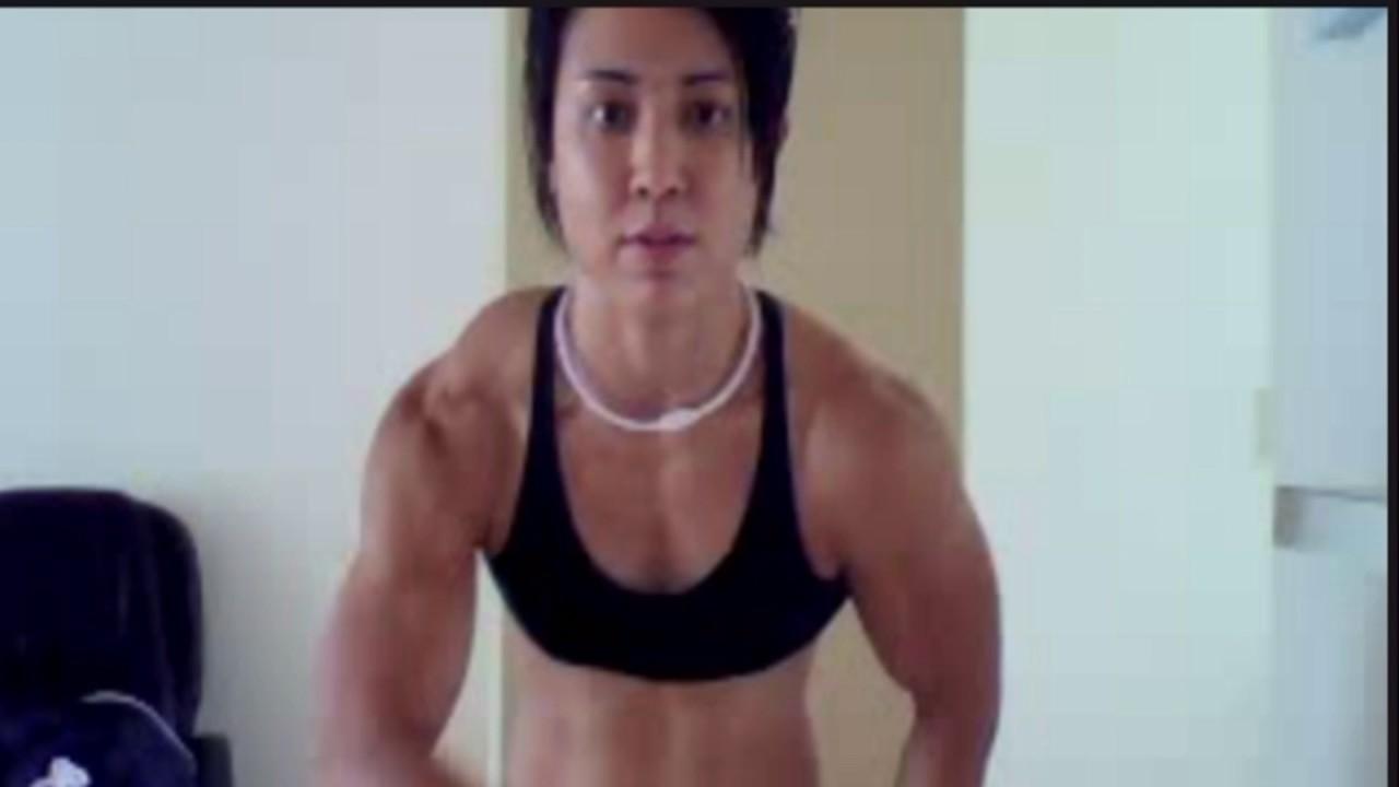 cute Jamie shows us how to get huge biceps | Doovi