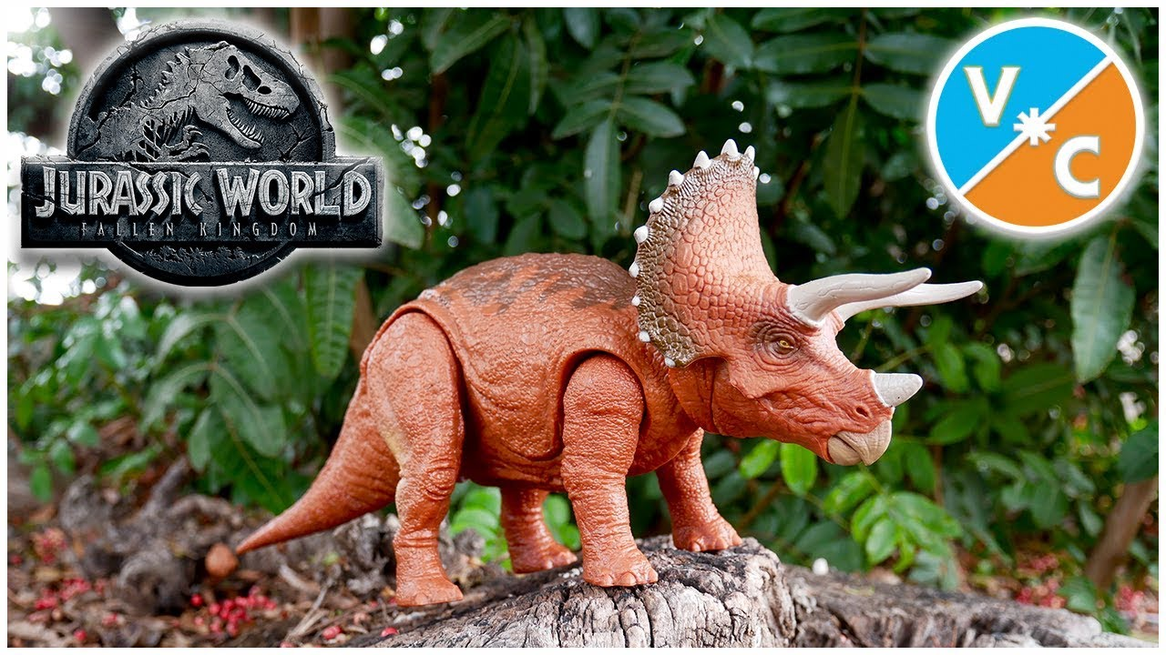 Roarivores Triceratops Animals & Dinosaurs Jurassic World Action Figures