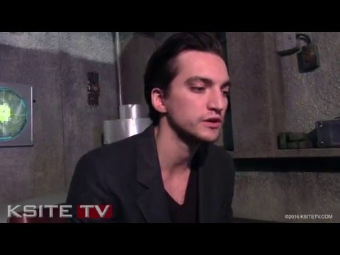 The 100 Season 3: Richard Harmon Murphy On Set