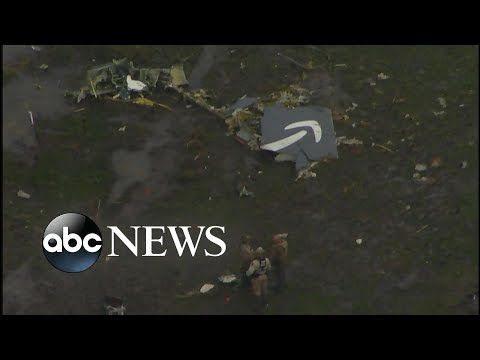 Cargo jet crashes in Texas