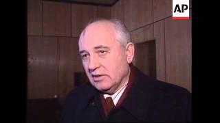RUSSIA: GORBACHEV CRITICISES GOVERNMENT OVER CHECHNYA INVASION